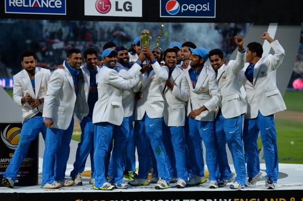 धोनी के 'कमाल' से भारत बना चैम्पियन, इंग्लैंड को पस्त कर जीती चैम्पियंस ट्रॉफी