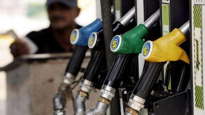 तेल की कीमत में 21वें दिन लगातार इजाफा, दिल्ली में डीजल 80.40 रुपये लीटर