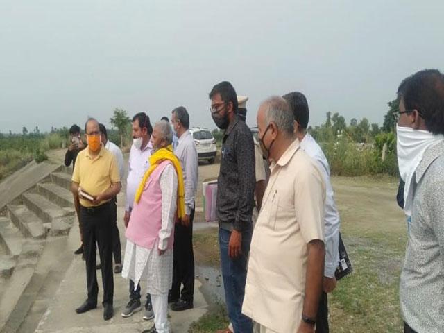 रतनलाल कटारिया ने किया हथिनी कुंड बैराज का दौरा, यमुना में गंदा पानी न फैकने के दिए आदेश