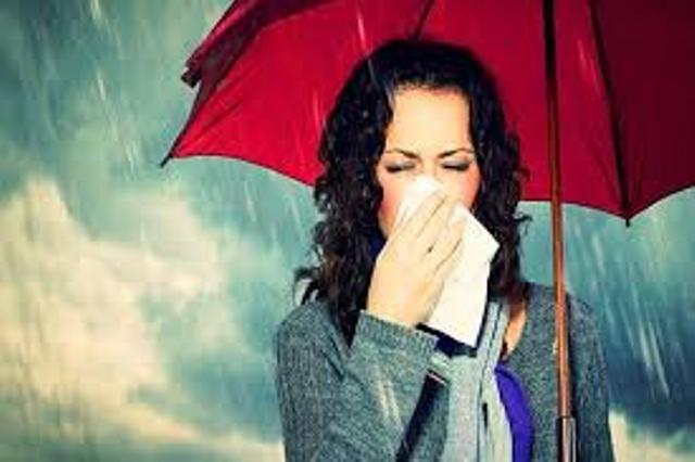बारिश के मौसम में फ्लू से कैसे बचें? आयुष मंत्रालय ने बताए ये घरेलू तरीके