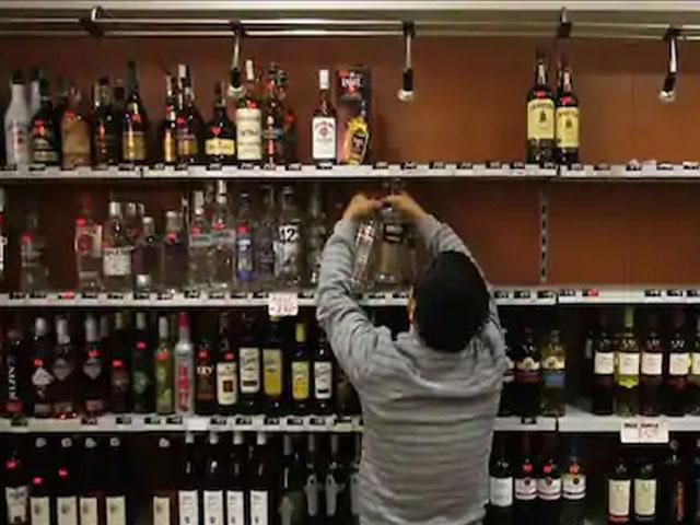 शराब की दुकान को लेकर केजरीवाल सरकार का बड़ा फैसला, अब एक घंटे ज्यादा...