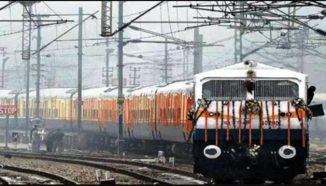 आज से चल पड़ी भारत की पहली 'किसान रेल', जानिए क्या हैं खासियत