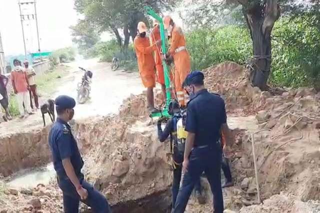 Sirsa: सीवरेज में गिरे दो किसान का तीसरे दिन भी कोई अता-पता नहीं, अब NDRF ने संभाली कमान