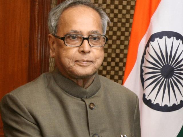 पूर्व राष्ट्रपति Pranab Mukherjee की तबीयत में नहीं हैं सुधार, बेटे ने पिता की बातों को किया याद