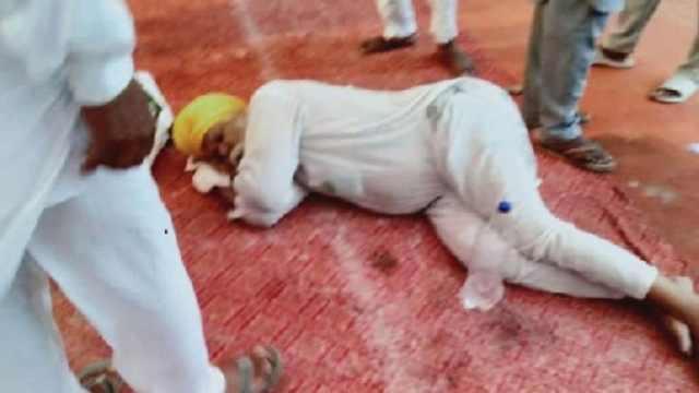 कृषि बिल के खिलाफ प्रदर्शन, पूर्व CM प्रकाश सिंह बादल के घर के बाहर किसान ने खाया जहर