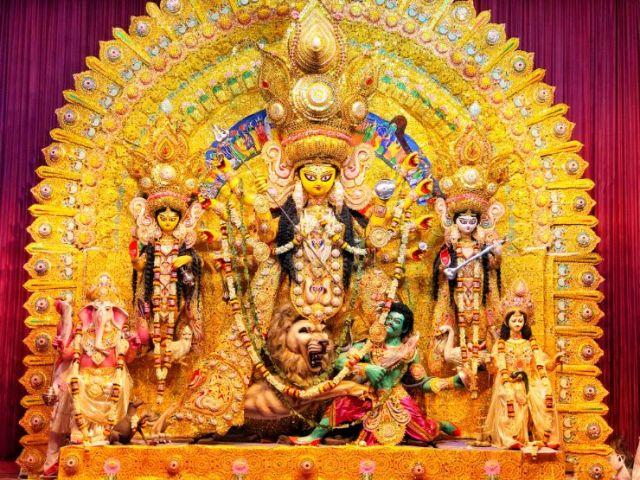 यूपी: दुर्गा पूजा के आयोजन पर रोक, रामलीला को अनुमति, मेले पर रोक