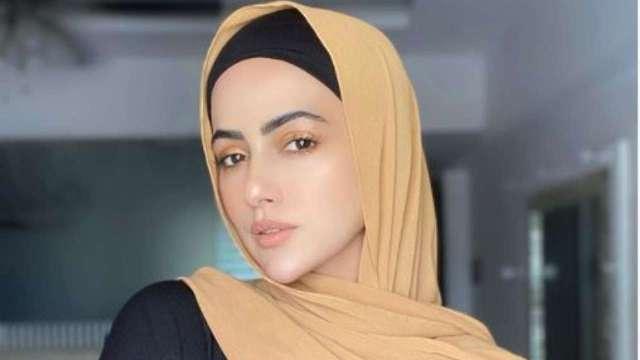 सना खान ने कहा फिल्मी दुनिया को अलविदा, इंडस्ट्री छोड़ने की बताई ये वजह