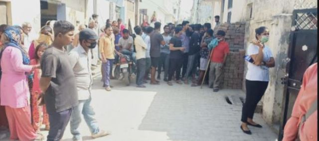 Karnal: एक ही घर में मिली दो लाशें मिलने से शहर में फैली सनसनी, पुलिस जांच में जुटी