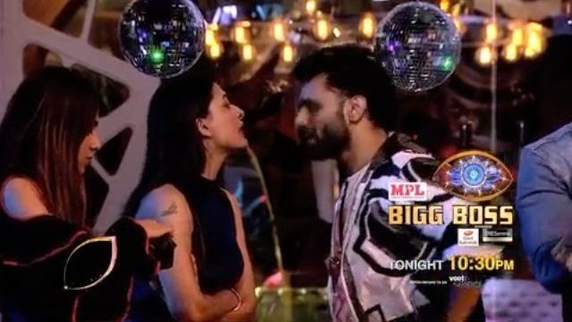 Bigg Boss 14: कैप्टन बनने के लिए चूहे-बिल्ली की तरह लड़ाई करते नजर आए राहुल वैद्य और पवित्रा पुनिया