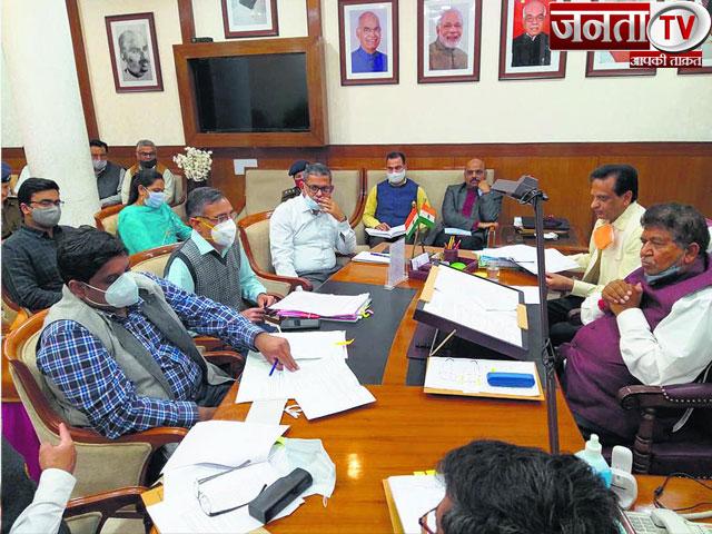 अतिक्रमण मुक्त होगा पंचकूला, ज्ञानचंद गुप्ता ने अवैध झुग्गियां हटाने के दिए निर्देश