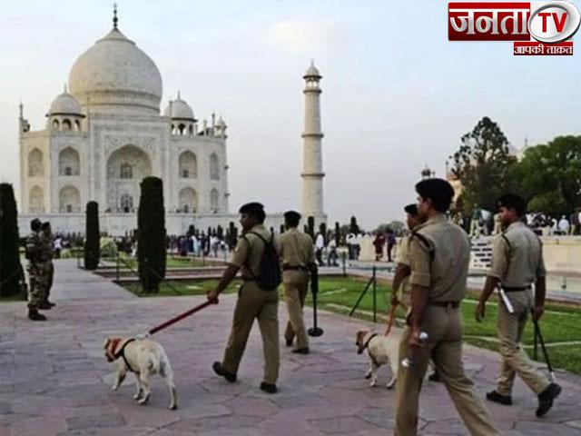 ताज महल में स्थिति सामान्य, नहीं मिला कोई बम, पुलिस ने फर्जी कॉल करने वाले को किया गिरफ्तार