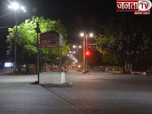 कोरोना के चलते हरियाणा में बढ़ी सख्ती, रात नौ से सुबह पांच बजे तक प्रदेश में रात्रि कर्फ्यू लागू