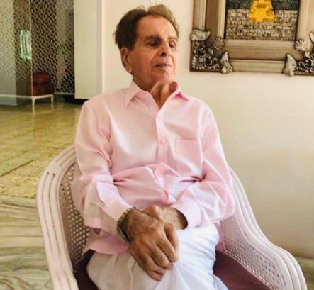 अभिनेता दिलीप कुमार की तबीयत बिगड़ी, पीडी हिंदुजा अस्पताल में हुए भर्ती
