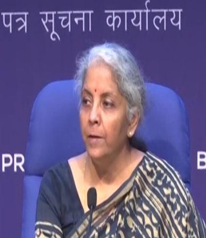 निर्मला सीतारमण की अध्यक्षता में GST काउंसिल  की हुई बैठक,अब कोविड टीके पर 5 फीसदी टैक्स रहेगा जारी