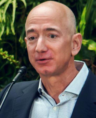 Jeff Bezos ने नीलाम की अपनी बगल की सीट,गुमनाम यात्री अंतरिक्ष की सैर के लिए 205 करोड़ देने को तैयार