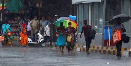 हिमाचल में भारी बारिश के बीच अलर्ट जारी, पर्यटकों को सावधानी बरतने की दी सलाह