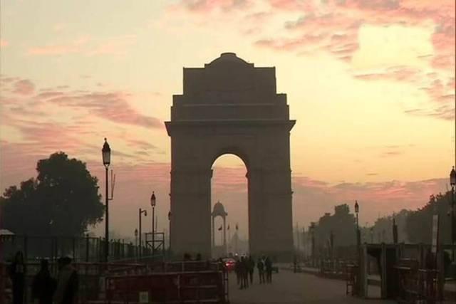 दिल्ली: अधिकतम तापमान में फिर वृद्धि, हल्की बारिश की आशंका बरकरार
