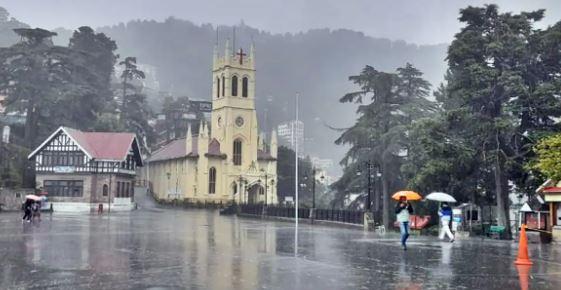 हिमाचल में भारी बारिश, लैंडस्लाइड के कारण कई सड़कें बंद, जानें अपने शहर का हाल