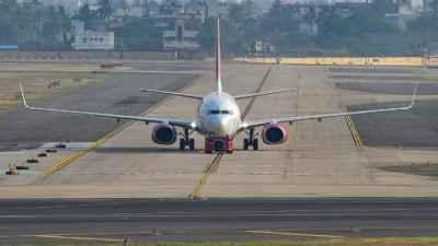 कनाडा जाने वाले भारतीयों को लगा बड़ा झटका, सरकार ने 21 अगस्त तक उड़ानों पर लगाया प्रतिबंध
