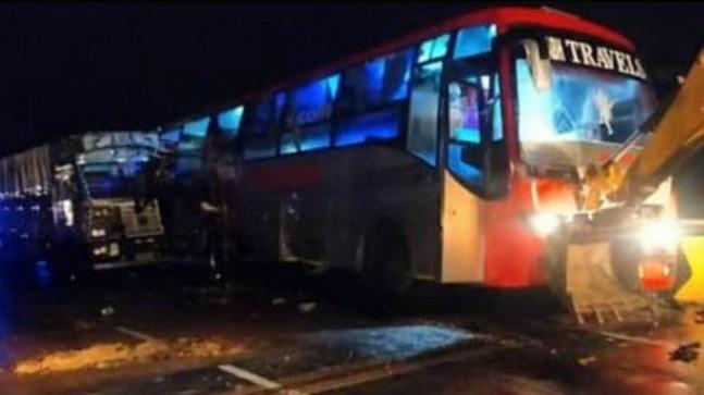 यूपी के बाराबंकी में भीषण सड़क हादसा, 18 लोगों की मौत, पीएम और सीएम ने जताया दुख