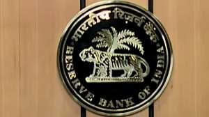 RBI ने Axis Bank पर लगाया 5 करोड़ रुपये का जुर्माना, जानें क्यों की गई ये बड़ी कार्रवाई