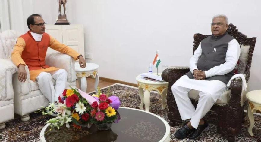 राज्यपाल से मिलने अचानक पहुंचे सीएम शिवराज सिंह चौहान