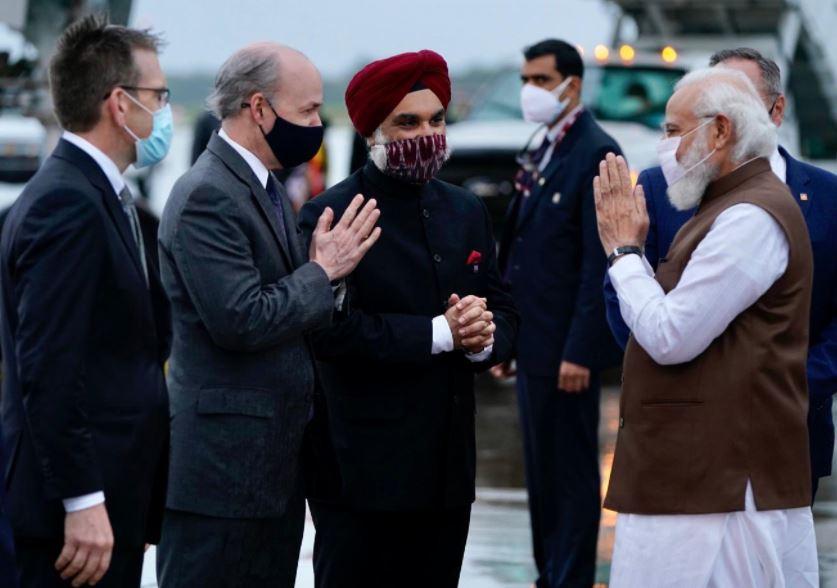 PM मोदी पहुंचे वाशिंगटन, स्वागत में उमड़े लोग, क्वाड सम्मेलन में होंगे शामिल