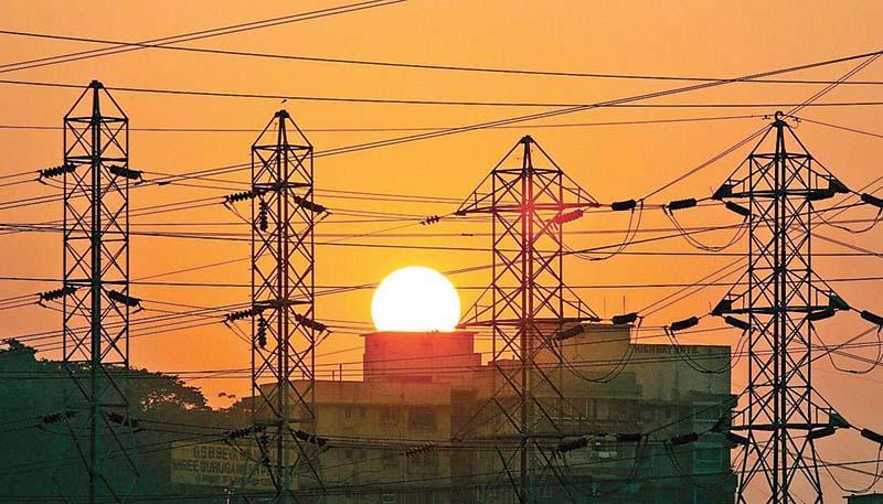 Himachal में भी गहराया बिजली संकट, बार-बार बिजली कट से परेशान हुए लोग
