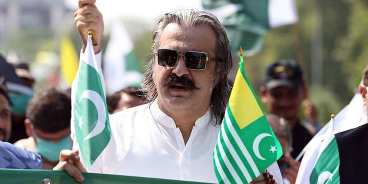 पाकिस्तान के मंत्री ने पाकिस्तान को महंगाई से निपटने के लिए दी 'अचूक सलाह', भड़के लोग