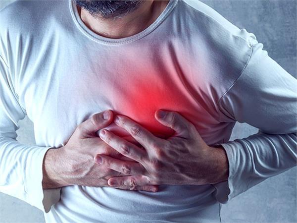 Health Tips : हृदय को स्वस्थ रखने के लिए करें ये बदलाव, बीमारियों से रहेंगे दूर