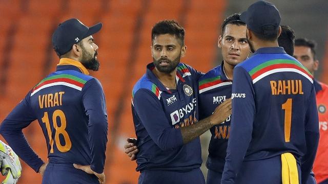T20 world Cup: भारत और इंग्लैंड के बीच वॉर्म-अप मुकाबला आज, इन खिलाड़ियों पर होंगी नजरें
