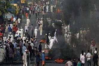 Bangladesh: दुर्गा पुजा हिंसा के बाद जलाए 20 हिंदूओं के घर, 66 घरों में तोड़फोड़ - रिपोर्ट