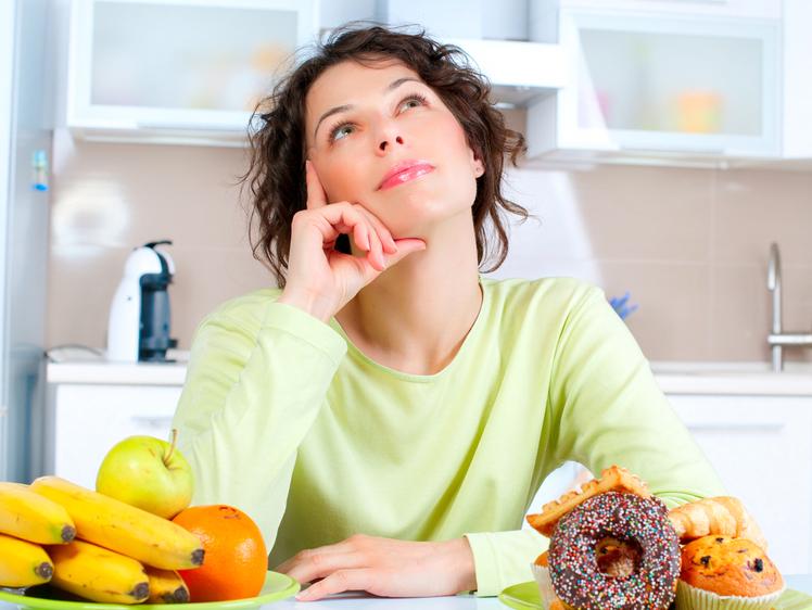 खाली पेट कभी ना खाएं ये 5 चीजें