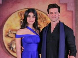 ऋतिक रोशन और एक्ट्रेस पूजा हेगड़े आगामी फिल्म 'मोहन जोदड़ो' को प्रमोट करने के लिए मीडिया से मुखातिब