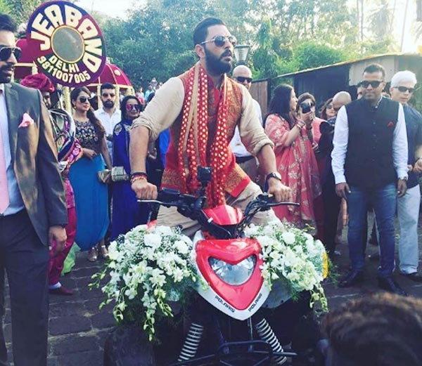 गोवा में फिर से युवराज की हुईं हेजल,