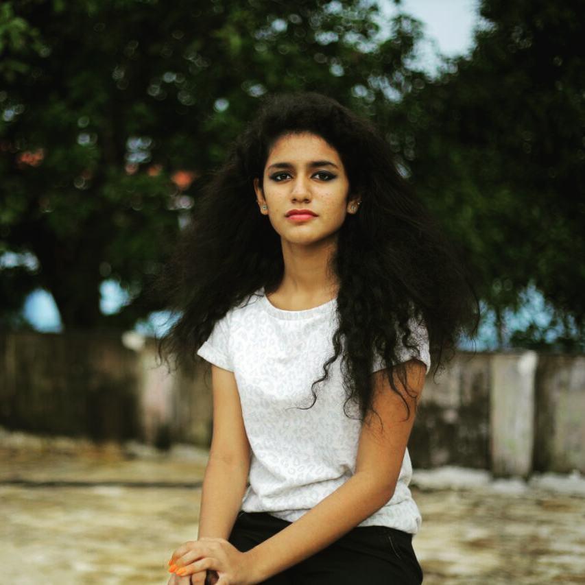 वायरल गर्ल प्रिया प्रकाश की अनदेखी तस्वीर