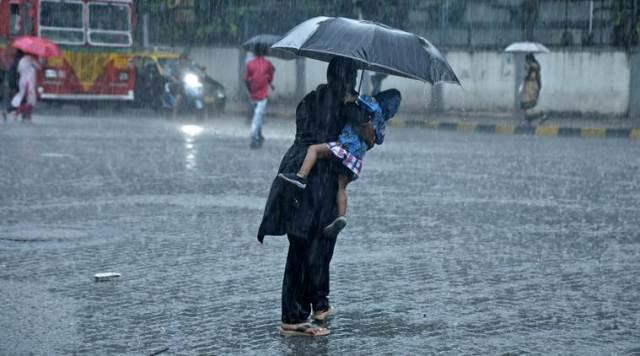 देखिए मुंबई की आफत वाली बारिश की तस्वीरें