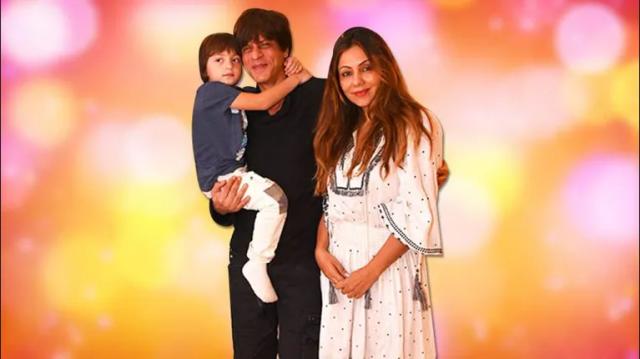 Shah Rukh Khan और Gauri के बेटे Abram जिनको देखने के लिए लगती है लम्बी लाइन।