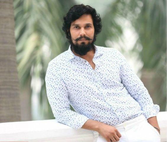 रणदीप अपने करियर की टर्निंग प्वाइंट फिल्म वंस अपॉन ए टाइम इन मुंबई को मानते हैं।