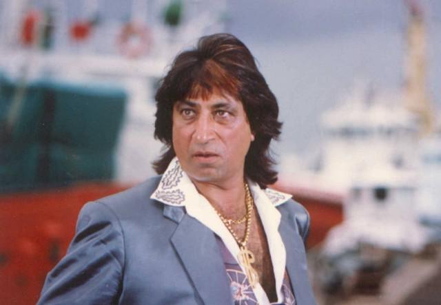 शक्ति कपूर का वास्तविक नाम सुनील सिकंदरलाल कपूर है, उनका जन्म 3 सितंबर 1952 को हुआ।