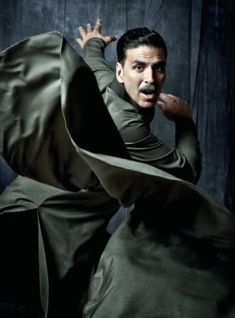 बतौर हीरो सौगंध 1991 में रिलीज होने वाली अक्षय कुमार की सबसे पहली फिल्म थी।