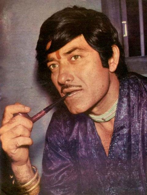 राज कुमार फिल्मों  में आने से पहले मुंबई के माहिम थाने में सब इंस्पेक्टर के रूप में कार्यरत थे।