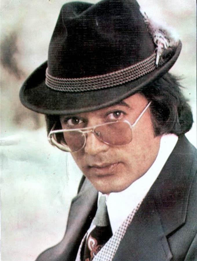 70 के दशक में राजेश खन्ना को हिंदी फिल्म जगत के पहले सुपरस्टार होने का गौरव प्राप्त हुआ।