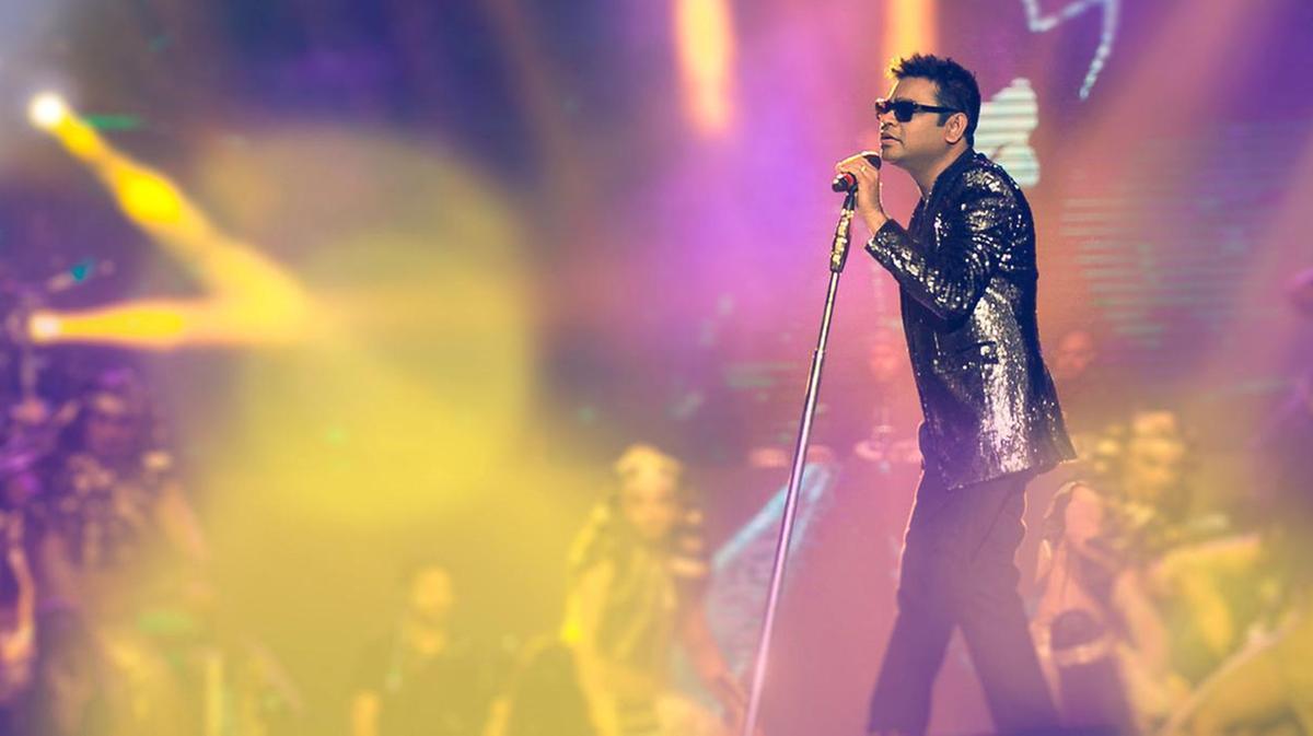 रहमान को उनकी फिल्म स्लमडॉग मिलेनियर के लिए दो ऑस्कर अवॉर्ड से नवाजा गया।