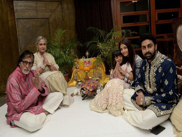 जन्नत से कम नहीं Amitabh Bachchan का बंगला 'जलसा', देखें तस्वीरें