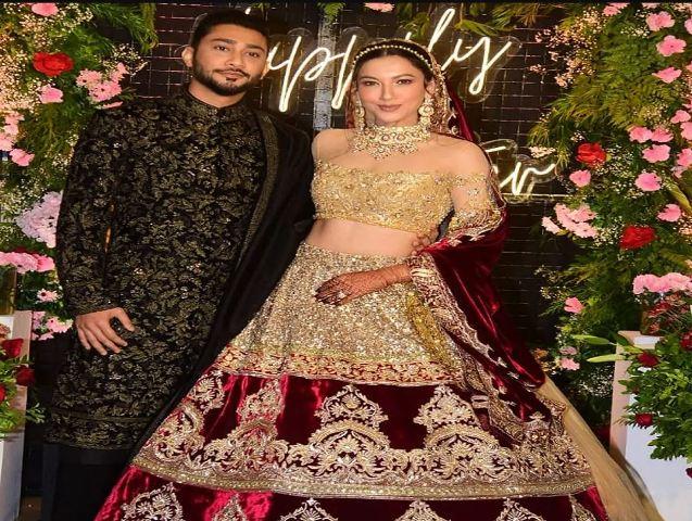 शादी के बाद EX बॉयफ्रेंड से फ्लाइट में टकराई Gauahar Khan, कुशाल टंडन Video शेयर कर बोले- हाय किस्मत