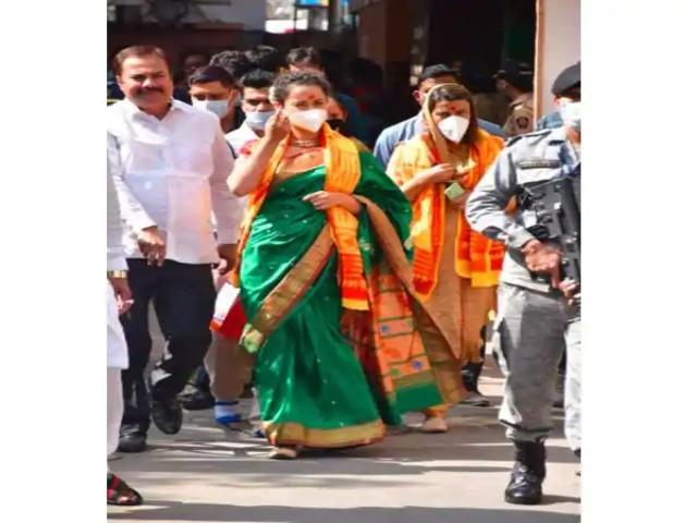 Kangana Ranaut  ने किए श्री सिद्धिविनायक के दर्शन, कहा- मुंबई में रहने के लिए सिर्फ गणपति की मंजूरी