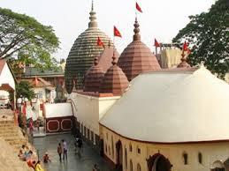 जानिए भारत के ऐसे रहस्यमय मंदिरों के बारे में जहां होती है कई अविश्वसनीय घटनाएं
