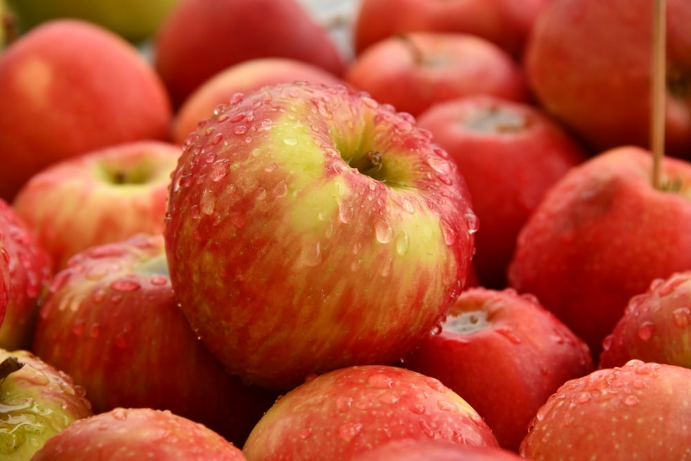Health tips : थायरॉइड के मरीजों को रोजाना खाने चाहिए ये 4 फल